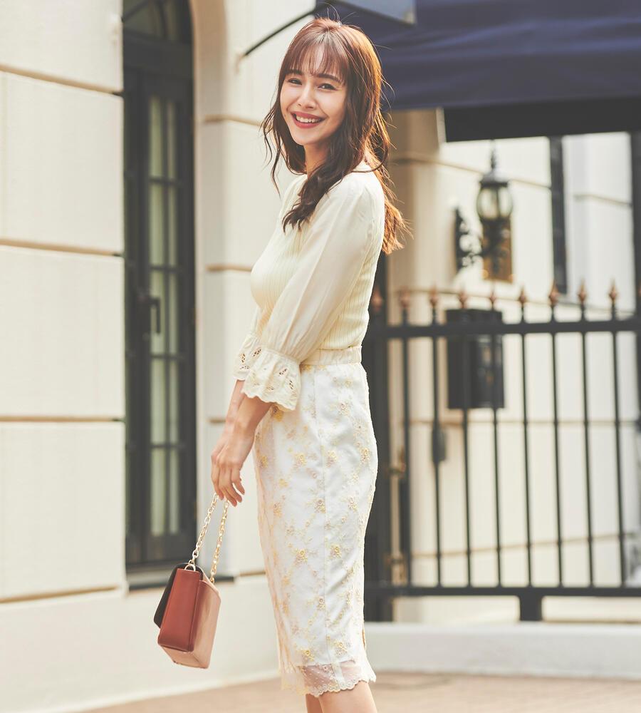 ドットチュール刺繍スカート