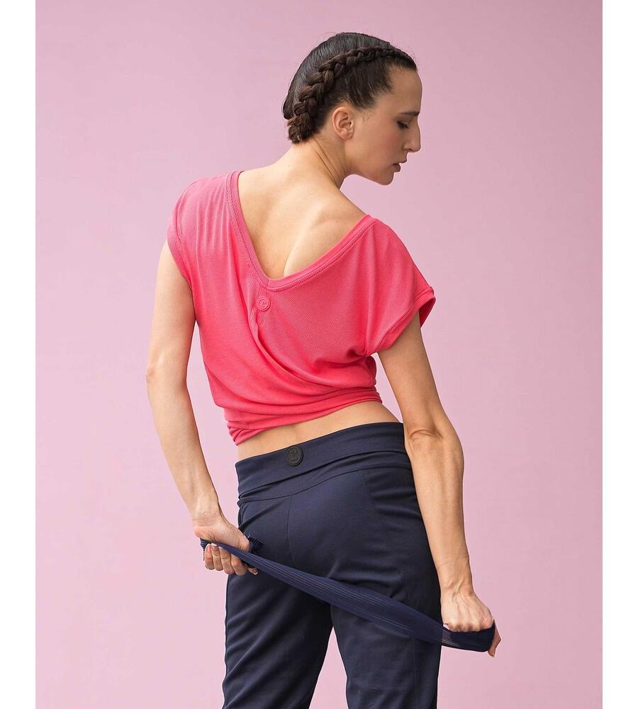 Short-sleeved top to tie