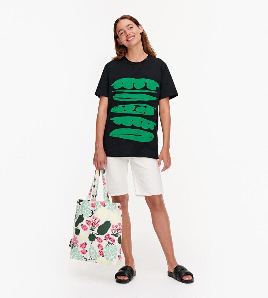 Nokkela Herneet Placement Tシャツ