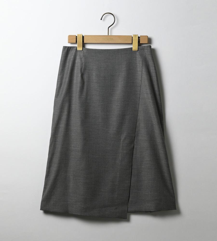 フロントに生地を重ねて、ラップ風に仕上げた台形スカート等新規商品入荷致しました。