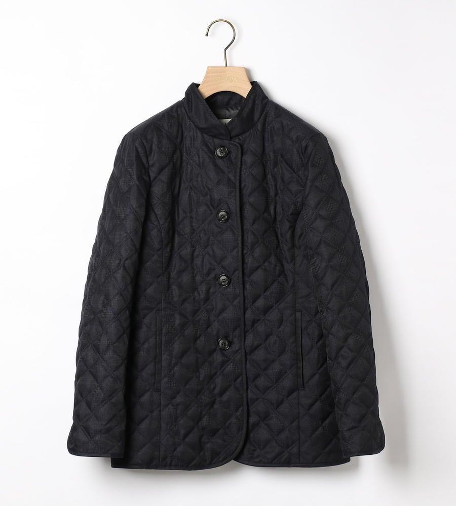 さりげなく模様をのせたデザインがおしゃれに差のつくジャガードキルトジャケットを入荷致しました。