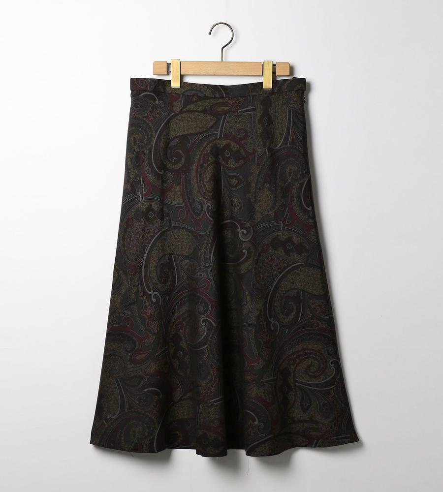 今季トレンドのペイズリー柄スカート等新規商品入荷致しました。