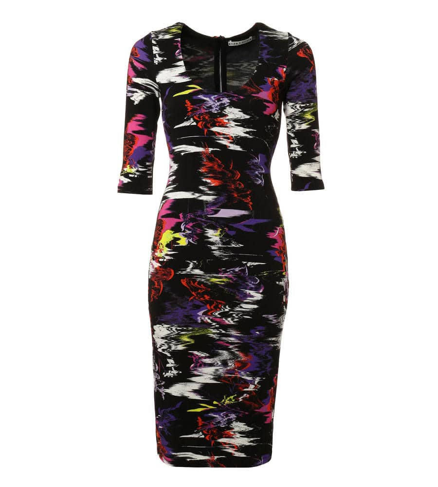 ボディラインを美しく演出するミッドレングスのフィットドレス等新規商品入荷致しました。