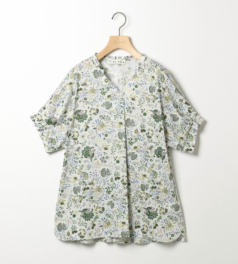 草木や花など様々な模様が描かれたサラサプリントの半袖ジャージーカットソーを新規入荷致しました。